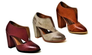 Women's V Cut Synthetic Leather Ankle Booties (Sizes 6.5 & 8)