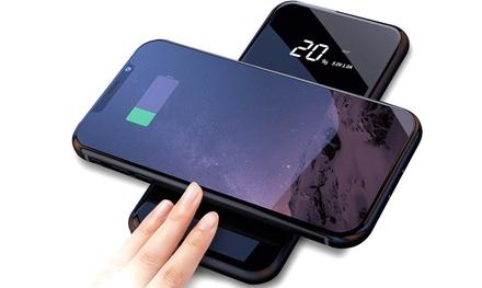 Fino a 3 powerbank con display, caricatore QI wireless e slot USB, con o senza cavo compatibile Lightning o Micro-USB