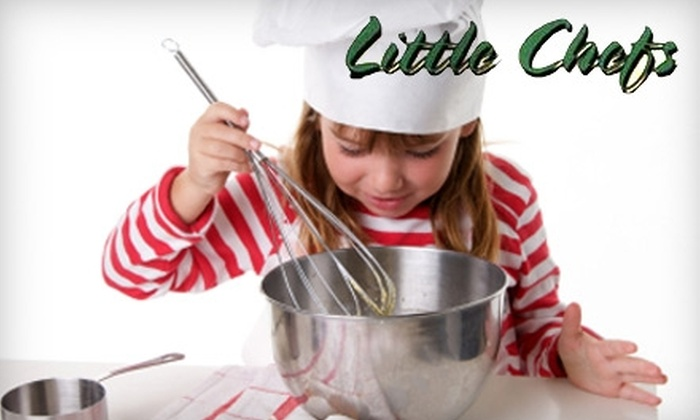 Little Chefs - Multiple Locations: $20 for One Children's Holiday Cooking Session (Including Meal, Craft, and Story Time) at Little Chefs ($55 Value)