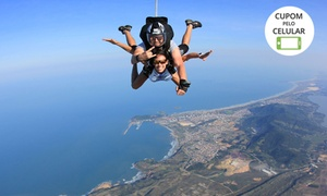 SkyZimba Clube Escola de Paraquedismo: Salto duplo de paraquedas com filmagem SkyZimba - parcele em até 12x