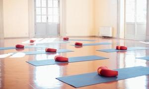 Leitmotiv Academy: Uno o 3 mesi di pilates e yoga per una o 2 persone alla Leitmotiv Academy in zona San Lorenzo (sconto fino a 78%)