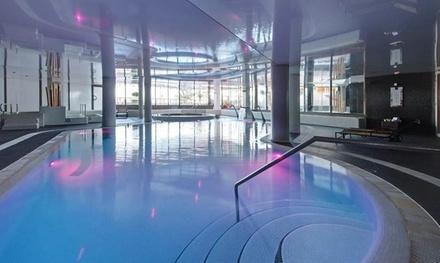 Sesión de circuito spa para 2 personas con opción a masaje relajante en pareja desde 26,95 € en Yhi Spa