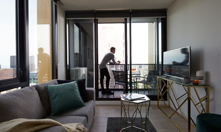 Melbourne: 1 or 2Night Stay or 4 with Wine, WiFi and Late CheckOut at Serviced Apartments Melbourne Empire