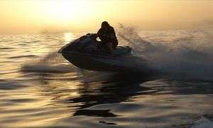 Jet family's: Randonnée en jet ski au choix, avec repas, transat et paddle de 2h pour 2 personnes dès 159 € avec Jet Family's