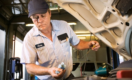 1 Oil Change (up to a $36 value) - Roberts Auto, Truck, & RV Repair in Crestwood