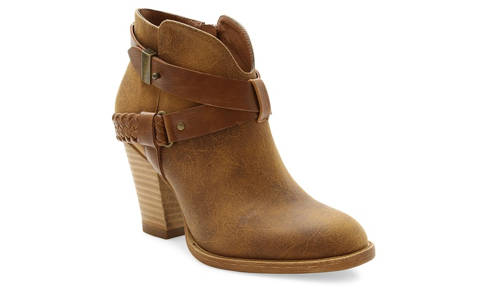 XOXO Kizzy Women's Western-inspired Ankle Bootie