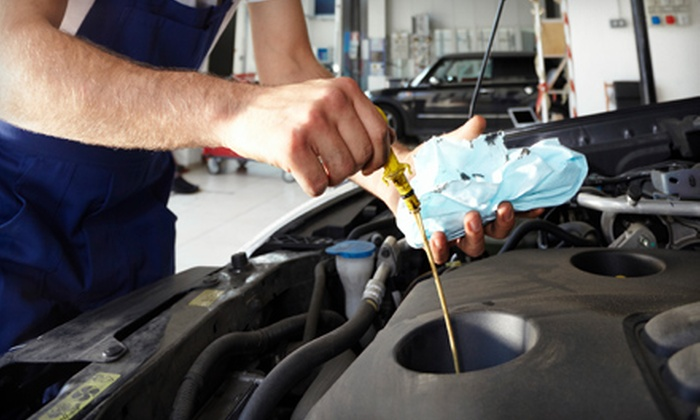 East Ridge Fast Lube - Missionary Ridge: $15 for an Oil Change and Safety Inspection at East Ridge Fast Lube ($34.99 Value)