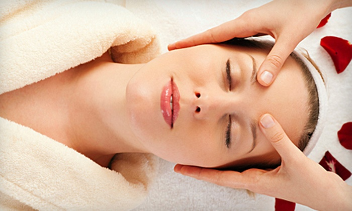 Dreams & Beauty Medical Spa - West Miami: $49 for a One-Hour Massage and Mini Facial at Dreams & Beauty Medical Spa ($135 Value)