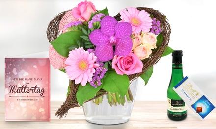 Blumenstrauß in Herzform mit exotischer Orchidee, Schokolade, Perlwein und Grußkarte bei Blumenhaus Ehrend (42% sparen*)