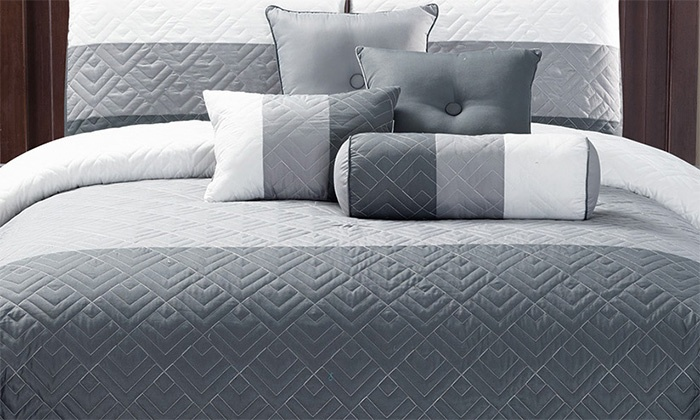 Comforter & Curtain Set (20-Pc.) | Groupon Goods
