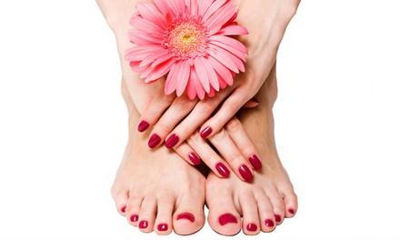 Manicure en/of pedicure, naar keuze met gellak bij Anova Beauty in Elburg