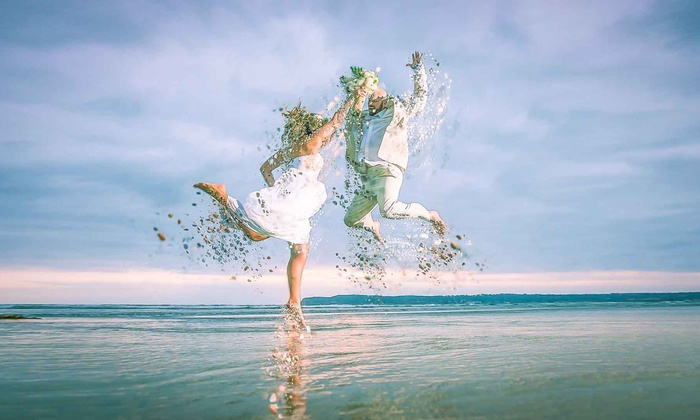 California Photo Dreams - San Diego: $300 for 120-Min Wedding Photography Package with Digital Images — V A L D O S T A L E K ($999 Value)