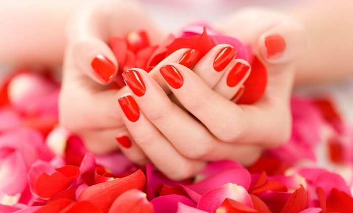 Up to 52% Off Gel manicure packages at Lavish Nail Spa