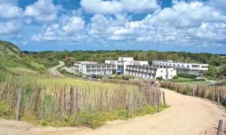 Zeeland: Duintweepersoonskamer voor twee met ontbijt en late checkout in Golden Tulip Strandhotel Westduin