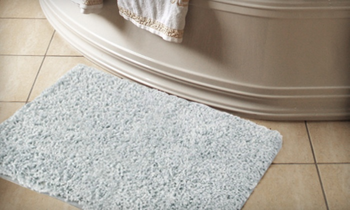 Memory Foam Bath Mat: Shag Memory Foam Bath Mat (40% Off). Two Sizes and Up to Four Colors Available.