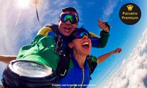 Escola Brasileira de Paraquedismo: Salto de paraquedas duplo para 1, 2 ou 4 pessoas na Escola Brasileira de Paraquedismo – Boituva