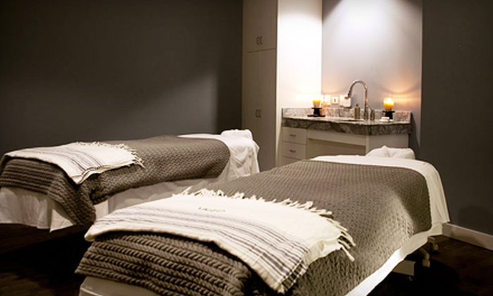 Valeo - Chicago: $160 for a 50-Minute Couples Massage with Champagne at Valeo in the JW Marriott ($325 Value)