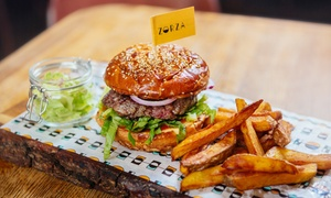 Restauracja Zorza: Dowolna pasta lub burger dla 2 osób za 42,99 zł i więcej opcji w Restauracji Zorza (do -41%)
