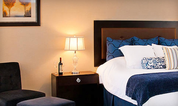 Litchfield Inn - Litchfield: One- or Two-Night Stay with Breakfast, Wine, and Chocolate-Covered Strawberries at The Litchfield Inn (Up to Half Off)
