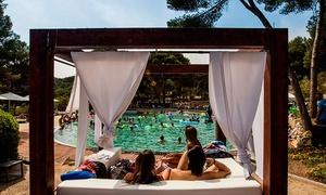 Lumine Beach Club: Entrada para el Beach Club para 1, 2, 4, 6 u 8 personas con toalla, hamaca y taquilla desde 15 € en Lumine Beach Club