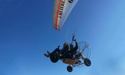 Vuelo de 5 o 10 kilómetros en parakite para 1 o 2 personas desde 39,95 € en Paisajes Aéreos