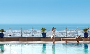 Fairmont Dubai: Pool Access with choice of Aed 100 or Aed 200 towards food and drinks at 5* Fairmont dubai (Up to 42%)