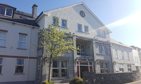 Co. Donegal: 1 Night for 2 with Breakfast, Bubbly, Leisure Access and Late Check-Out at 4* Jackson's Hotel from Jacksons Hotel UK