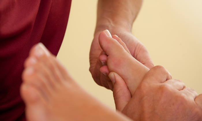 Deluxe Feet - Original Town: Reflexology or Acupressure Massage for One or Two at Deluxe Feet (Up to 60% Off)