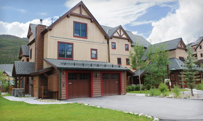 Summit County Mountain Retreats - Silverthorne: Two-Night Stay in a One- or Two-Bedroom Condo from Summit County Mountain Retreats in Keystone, CO