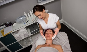Deluxe Clinic: IPL Skin Rejuvenation Facial or Back Treatment at Deluxe Clinic (Up to 72% Off)