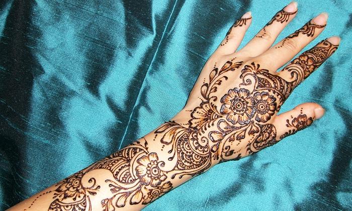 Henna Body-Art Class - Astoria: Use Your Body As a Canvas with a Henna Expert
