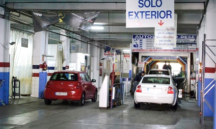 1 o 2 sesiones de lavado interior y exterior con tratamiento de ozono para 1 o 2 coches en Autolavado Peset