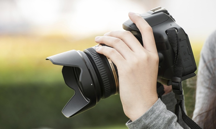 Ap Photo - Lansing: 60-Minute Outdoor Photo Shoot with Photo-Review Session and Retouched Images from AP Photo (75% Off)