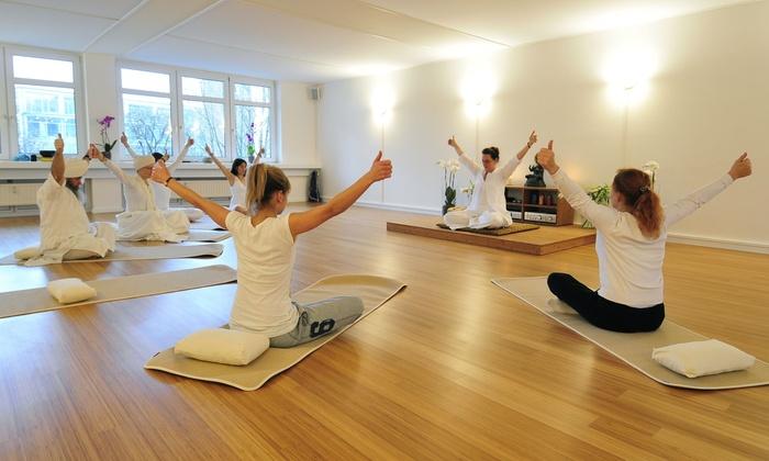 ANAND yogaschule - Hamburg: 5er-, 10er- oder 20er-Karte für Yoga bei Anand (bis zu 75% sparen*)