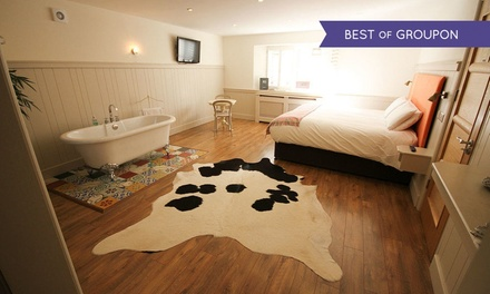 Co. Kerry: 1 or 2 Nights For Two With Breakfast, Cocktail and Dinner Credit at QC's Boutique Townhouse