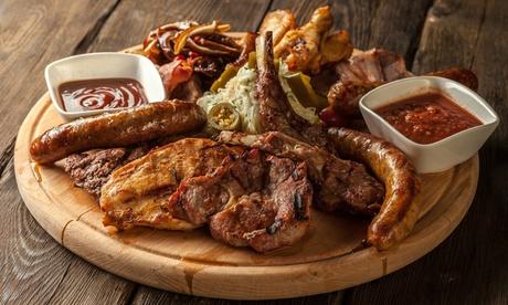Menú para 2 o 4 con entrante, parrillada de carne, postre y botella de vino o bebida desde 22,95 € en Sol y Brisa Oferta en Groupon
