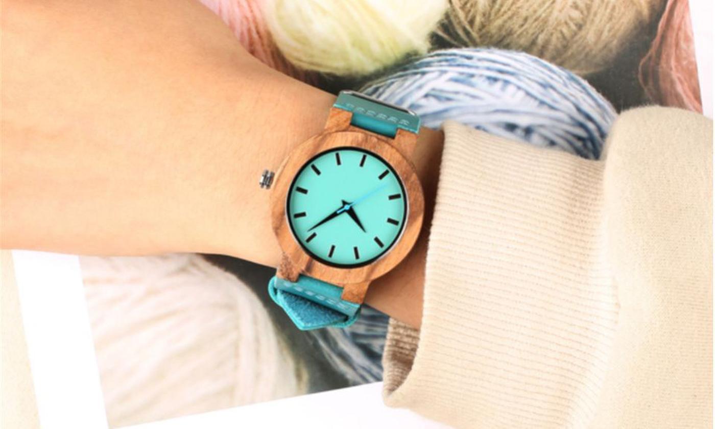 Retro Unisex Wrist Watch with Message