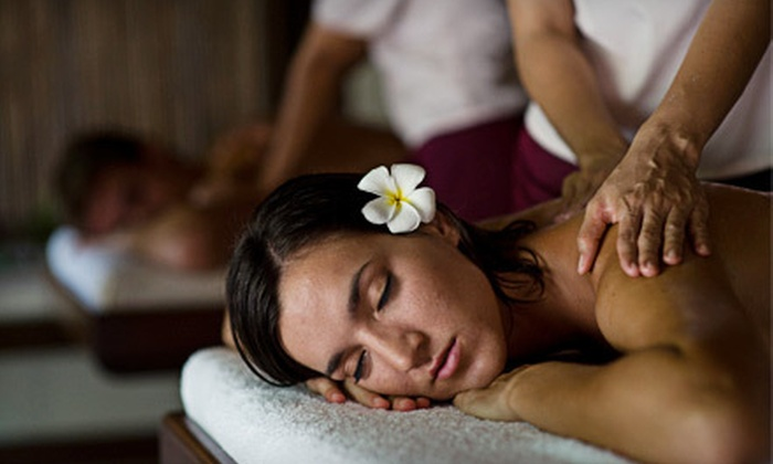 Advanced Wellness Centre - Ottawa: $39 for a Couple's Relaxation Massage and Acupressure Workshop at Advanced Wellness Centre ($180 Value)
