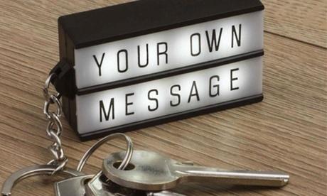 1 ó 2 llaveros Lightbox con mensaje personalizable