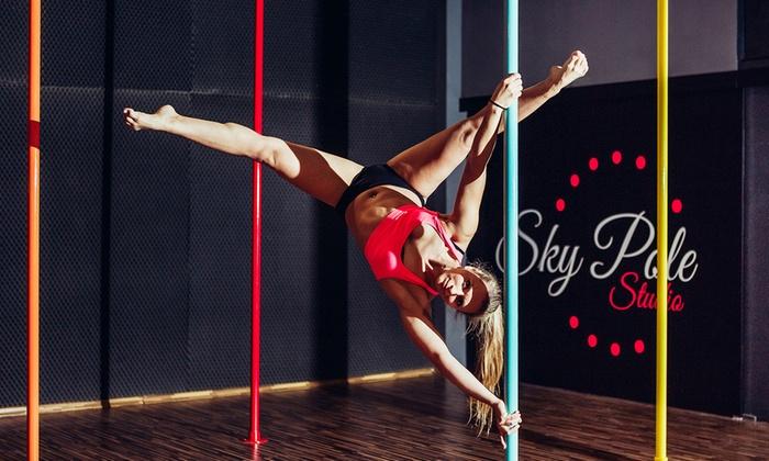 Pole dance i więcej: 4 wejścia na wybrane zajęcia (79,99 zł) ze stretchingiem (139,99 zł) i więcej w Sky Pole Studio