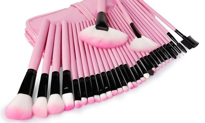 Professional makeup brush set with case
