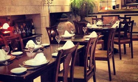 Menú para 2 o 4 personas con entrante, principal, postre, copa de cava y botella de vino desde 39,95 €en Kudamm Edel