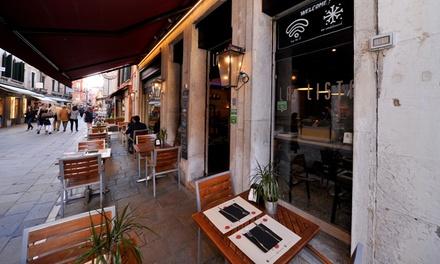 Pizza alla carta, birra e caffè a Cannaregio a 18,90€euro