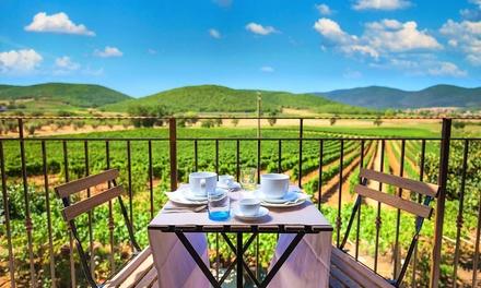 Magliano in Toscana: fino a 3 notti con colazione e degustazione vini e olii per 2 persone da Poggiolivi Country House