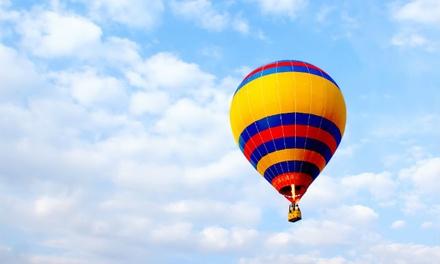 Ballonvlucht voor 1 tot 6 personen inclusief glaasje bubbels bij Sky Ballonvaarten, met keuze uit 4 opstapplaatsen in NL