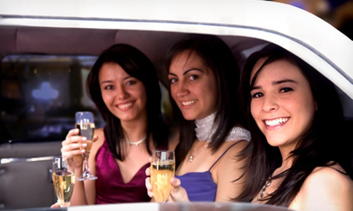 Vallejo Airporter - Napa / Sonoma: $365 for a Limo Tour of Wine Country  for Up to Eight from Vallejo Airporter ($925 Value)