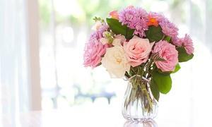 Piante e Fiori Fratelli Aversa: Composizione con 12 o 24 rose o bouquet misto di fiori da Piante e Fiori Fratelli Aversa in zona Eur (sconto fino a 50%)