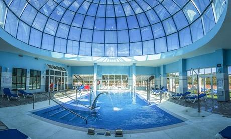 Málaga: estancia para 2 o 3 con spa, chocolates, cava y opción a media pensión en Spa Marbella Hills 4*