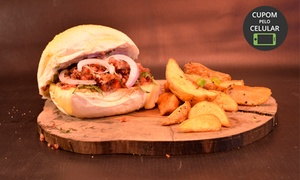 Carbone Pub & Sandwich: Sanduíche + batata rústica no Carbone Pub & Sandwich – Água Verde