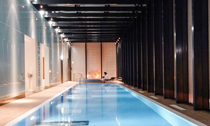 Health club day pass living well health club hilton hotel manchester deansgate groupon for Gyms with swimming pools manchester